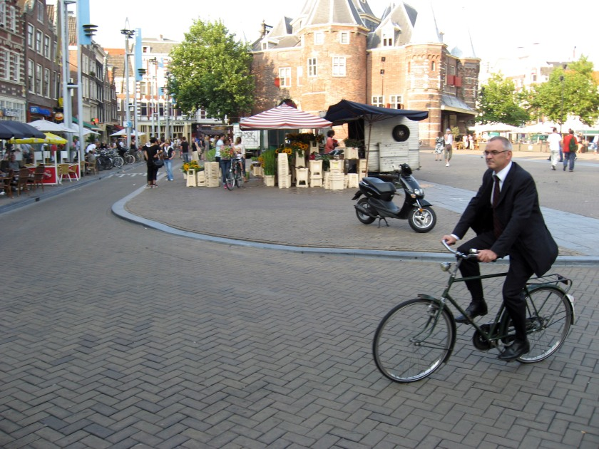 amsterdam_bicycle_suit