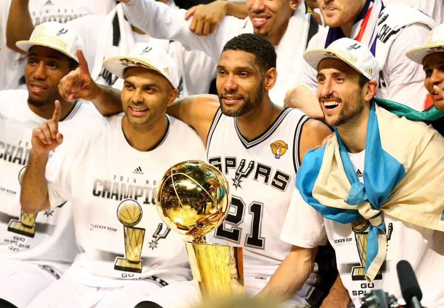 Spurs championship team larger