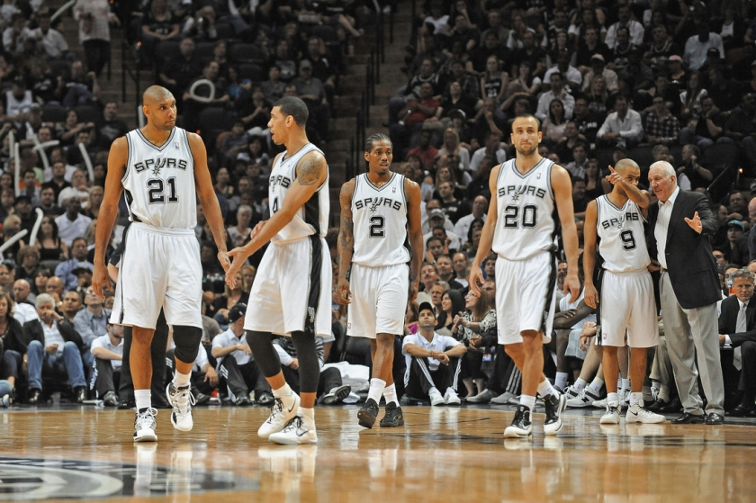Spurs_on_court